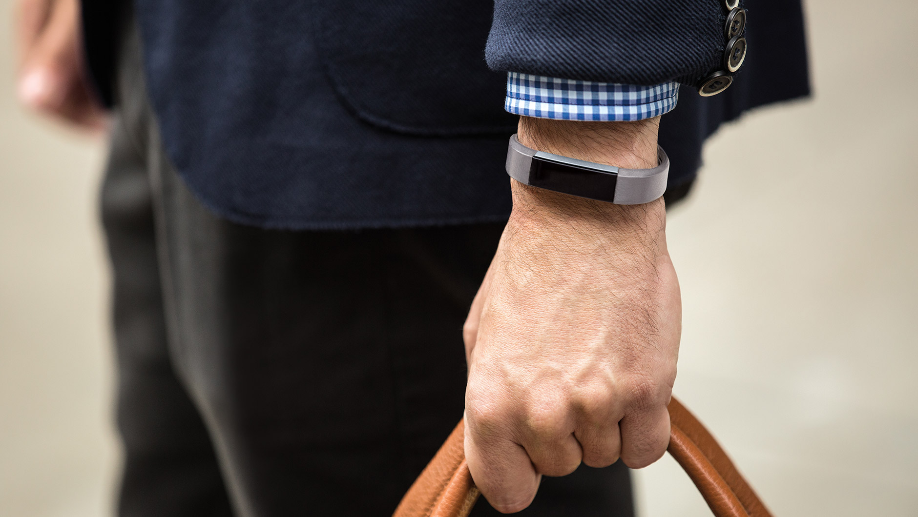 how to wear a fitbit alta hr